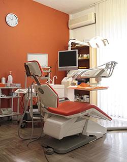sala dentistica arancione